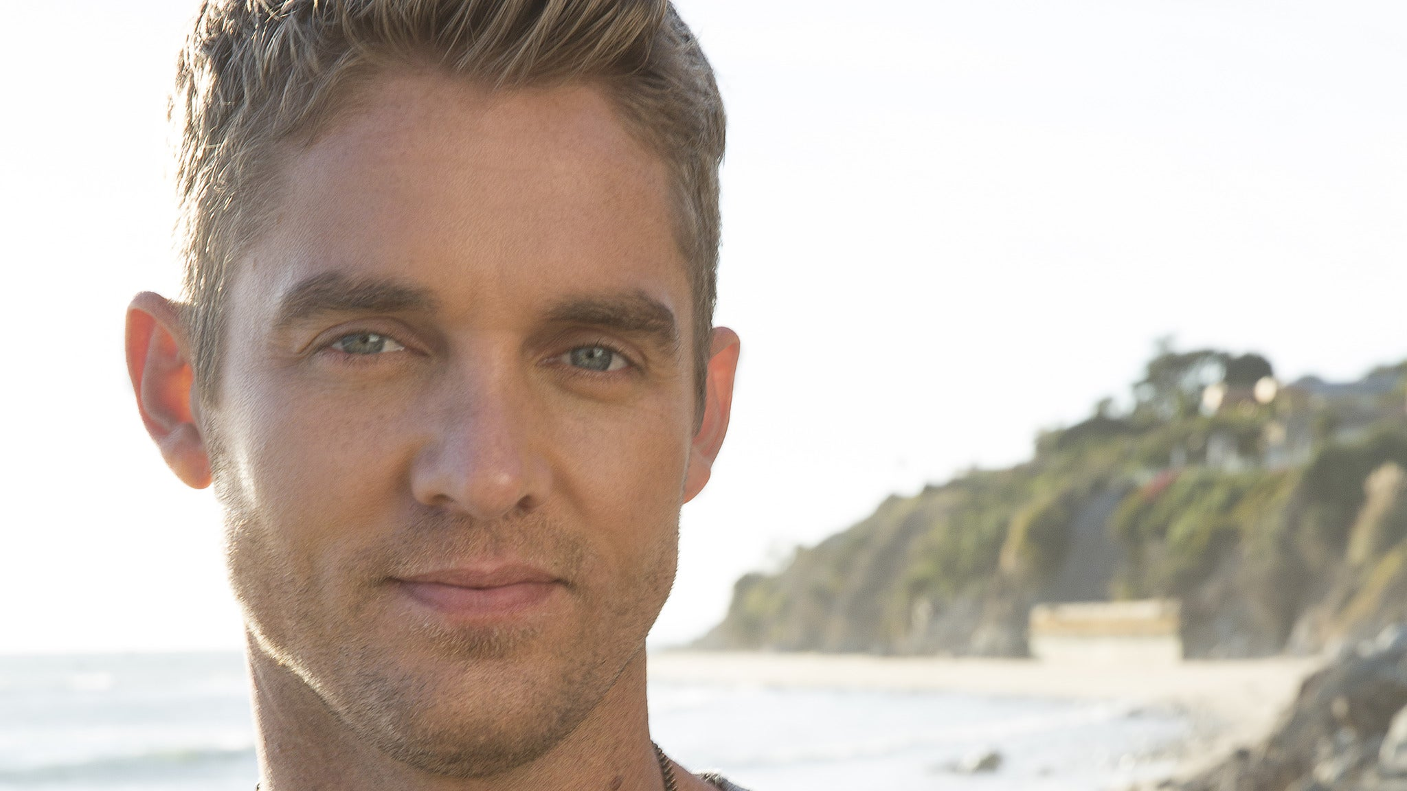 Brett Young at 8 Seconds Saloon