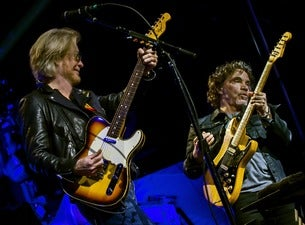 Daryl Hall & John Oates with Special Guest Squeeze