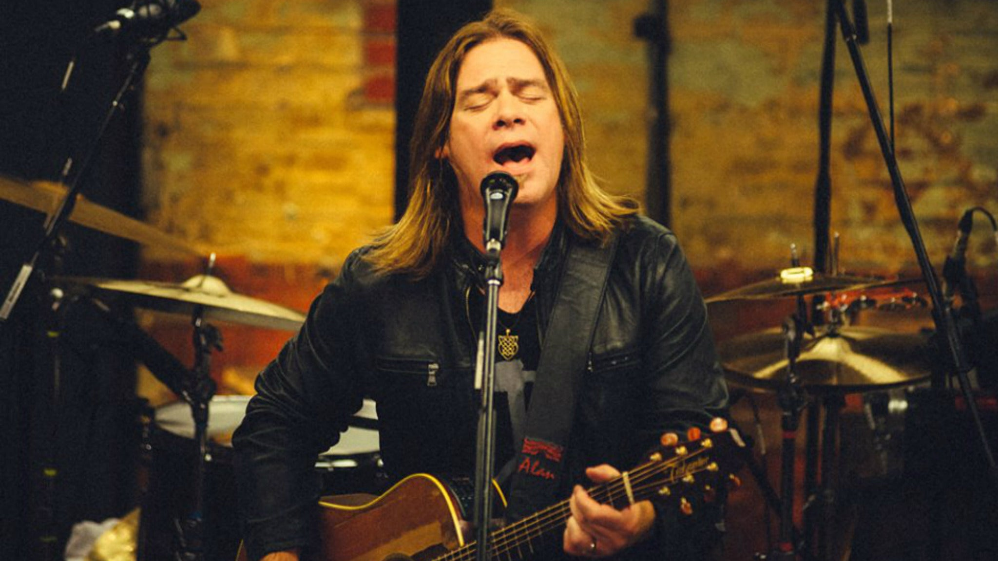 Alan Doyle at Infinity Hall - Norfolk