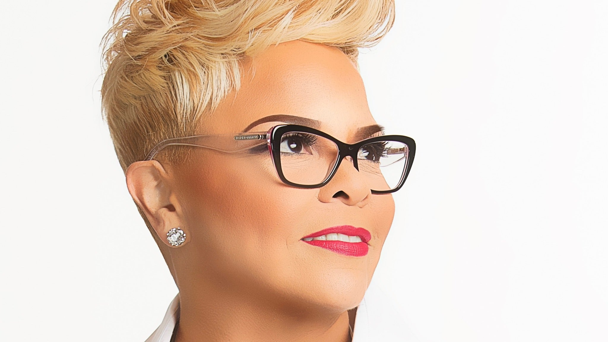 Tamela Mann in Concert at Beebe Memorial Cathedral - Oakland, CA 94609
