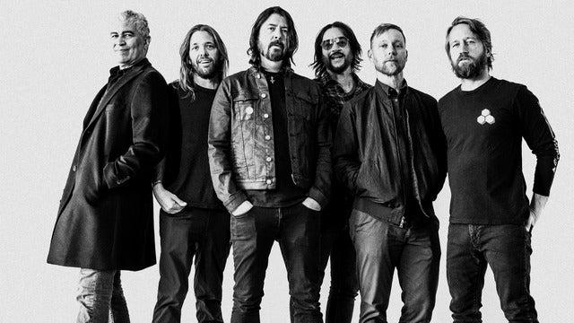 Foo Fighters Long Live Rock & Roll