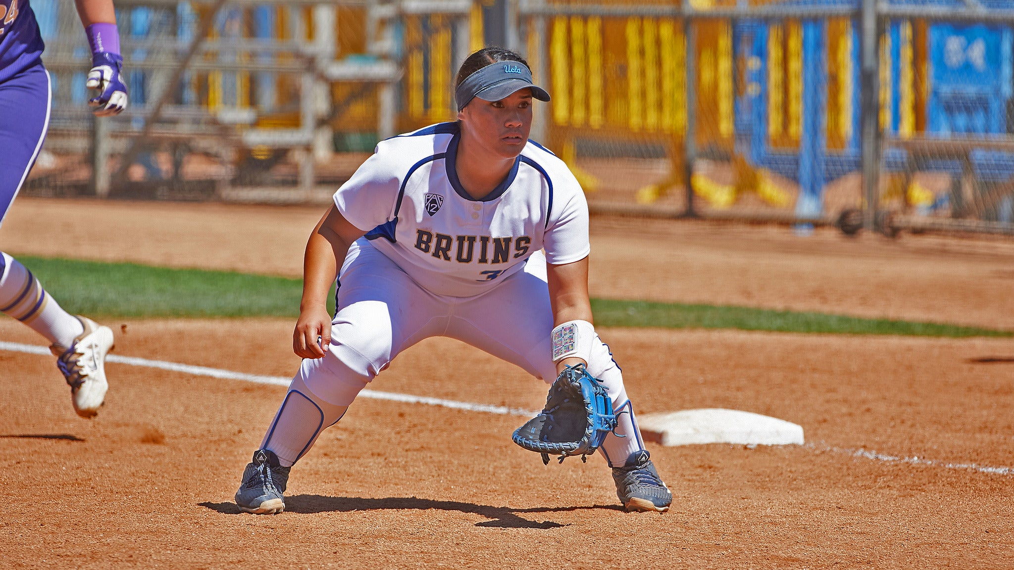 UCLA Bruins Softball v. University of Washtington - Los Angeles, CA 90095