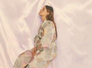 LEON w/ Morgan Saint