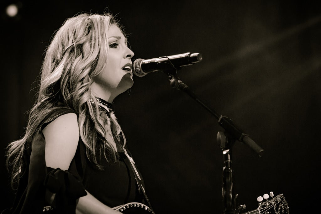 Sunny Sweeney - acoustic duo - at Woodlands Tavern