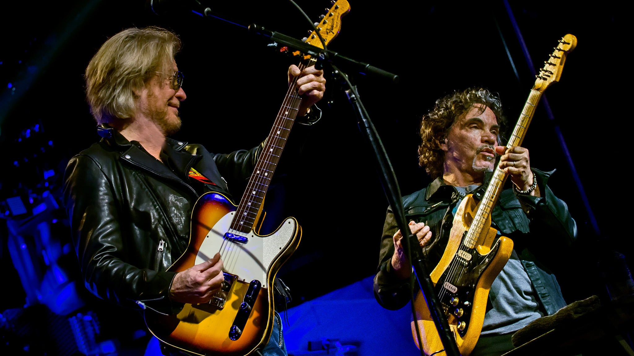 Daryl Hall & John Oates and Train at SAP Center at San Jose