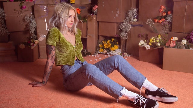 Julia Michaels: Inner Monologue Tour