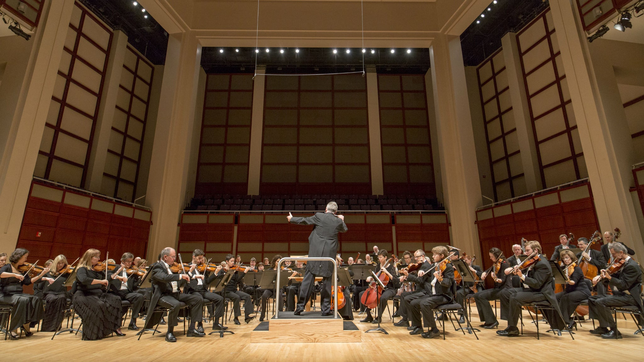 North Carolina Symphony - Grant Conducts Britten & Elgar