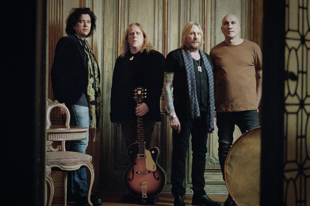 Gov't Mule's Darkside of the Mule + The Avett Brothers