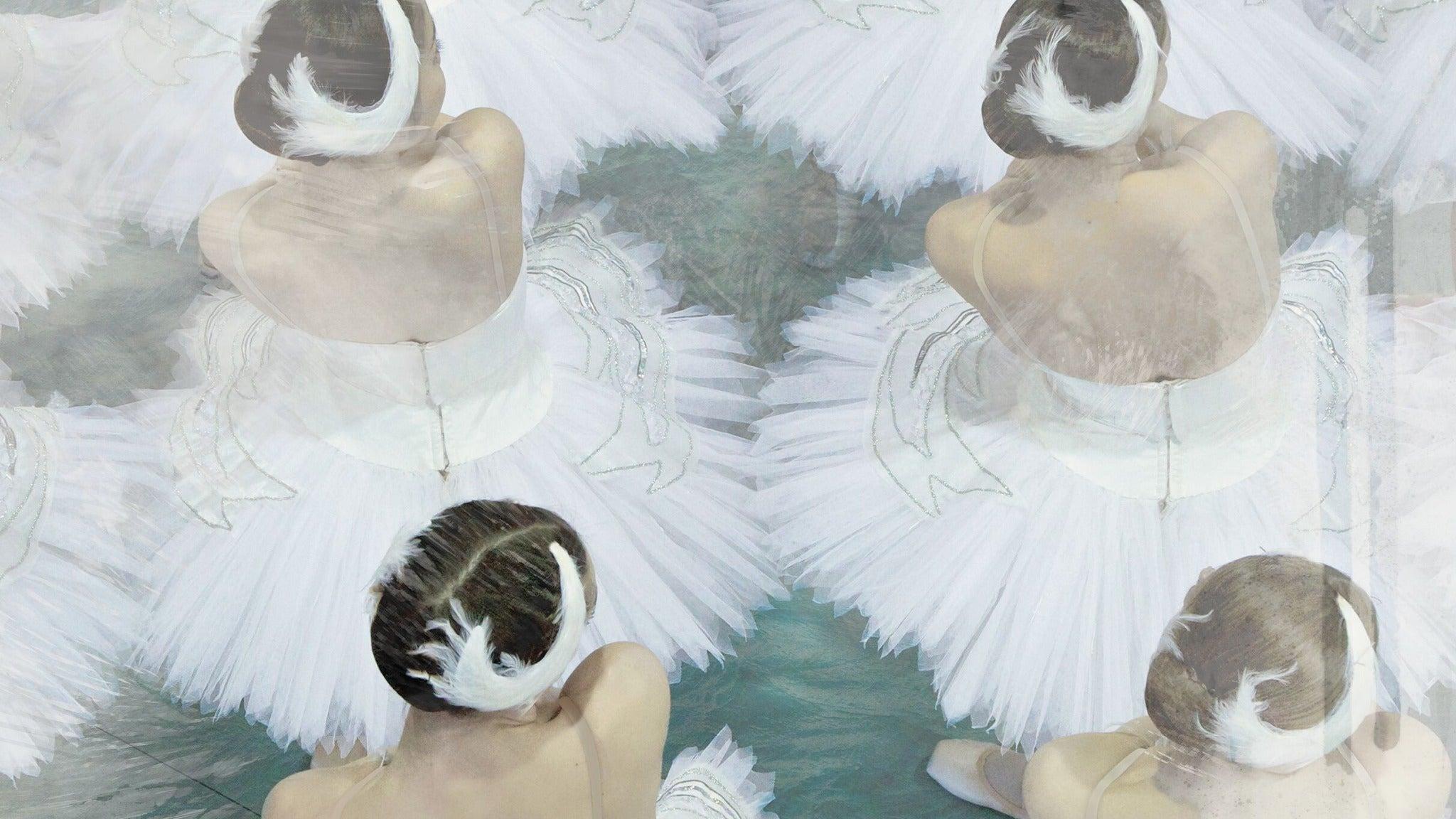 Alberta Ballet in Swan Lake