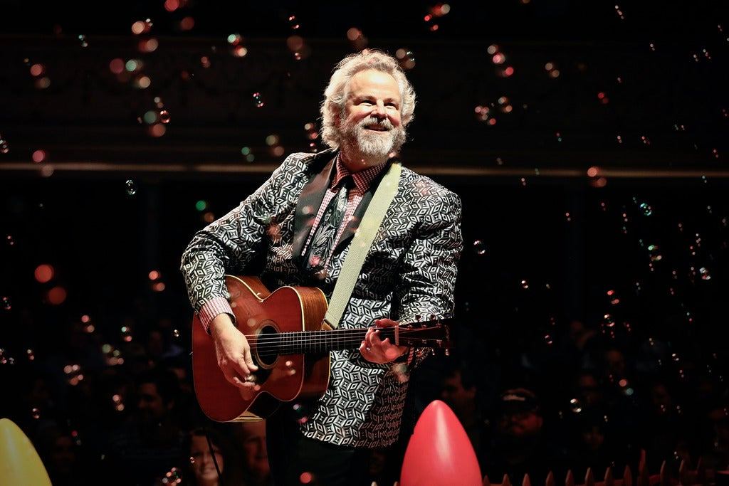 Robert Earl Keen presents Merry Christmas From The Fam-o-lee