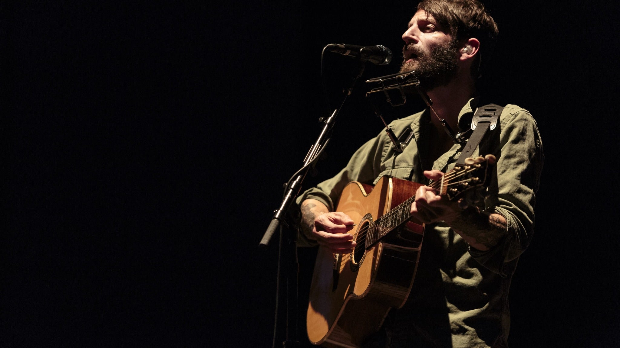 91.9 WFPK presents Ray LaMontagne: Just Passing Through