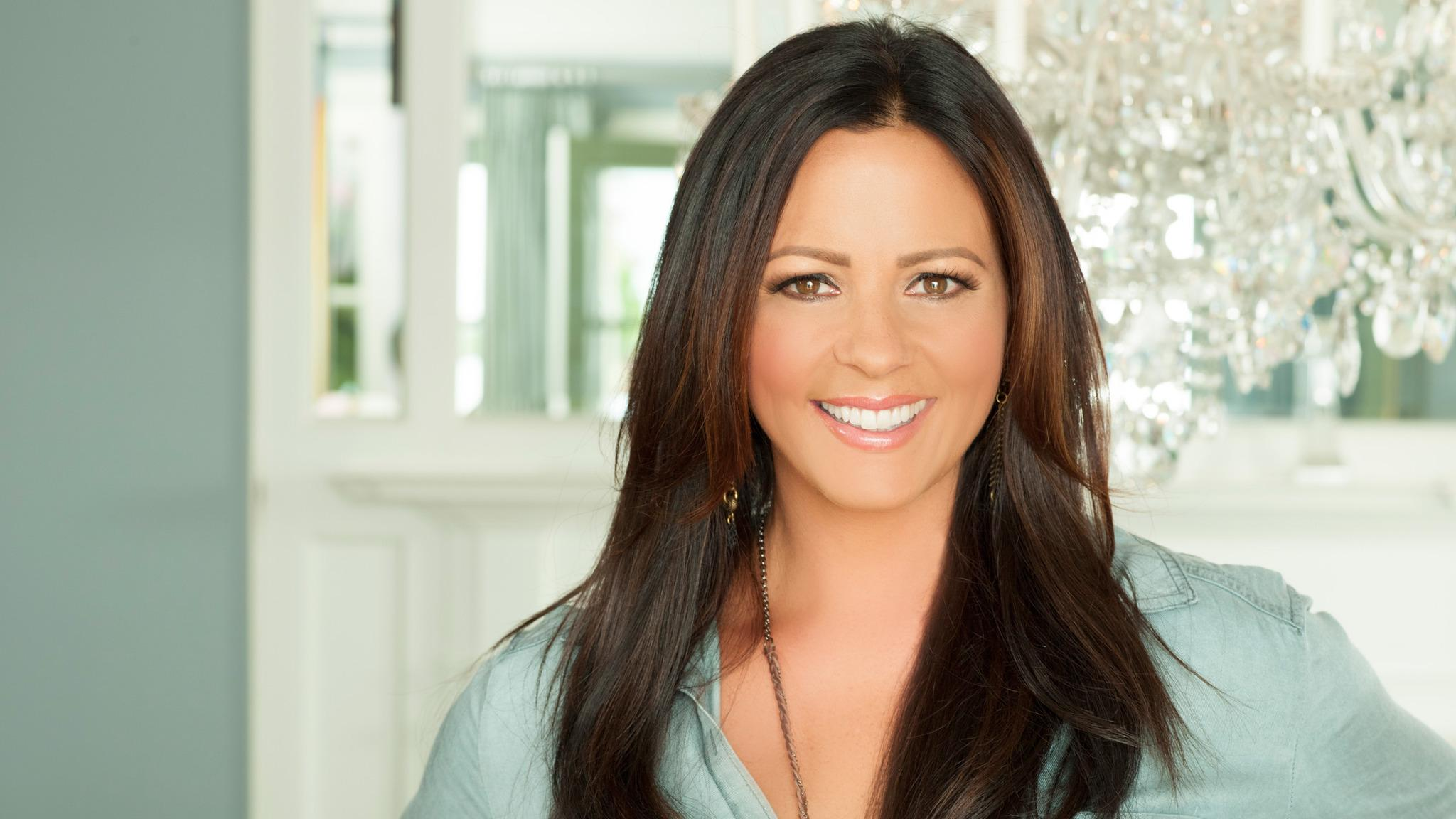 Sara Evans, Caroline Jones at Helena Civic Center
