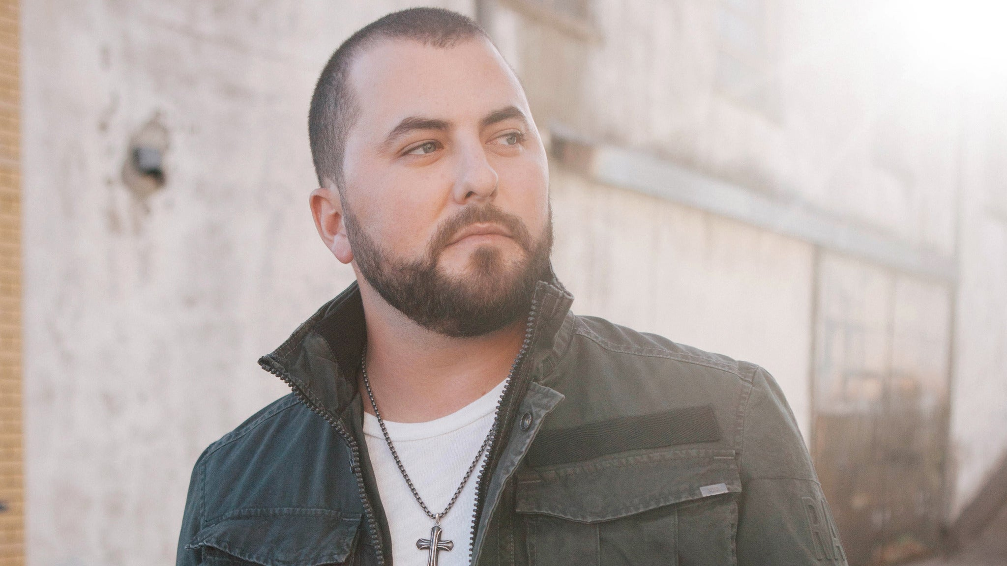 Tyler Farr at The Queen