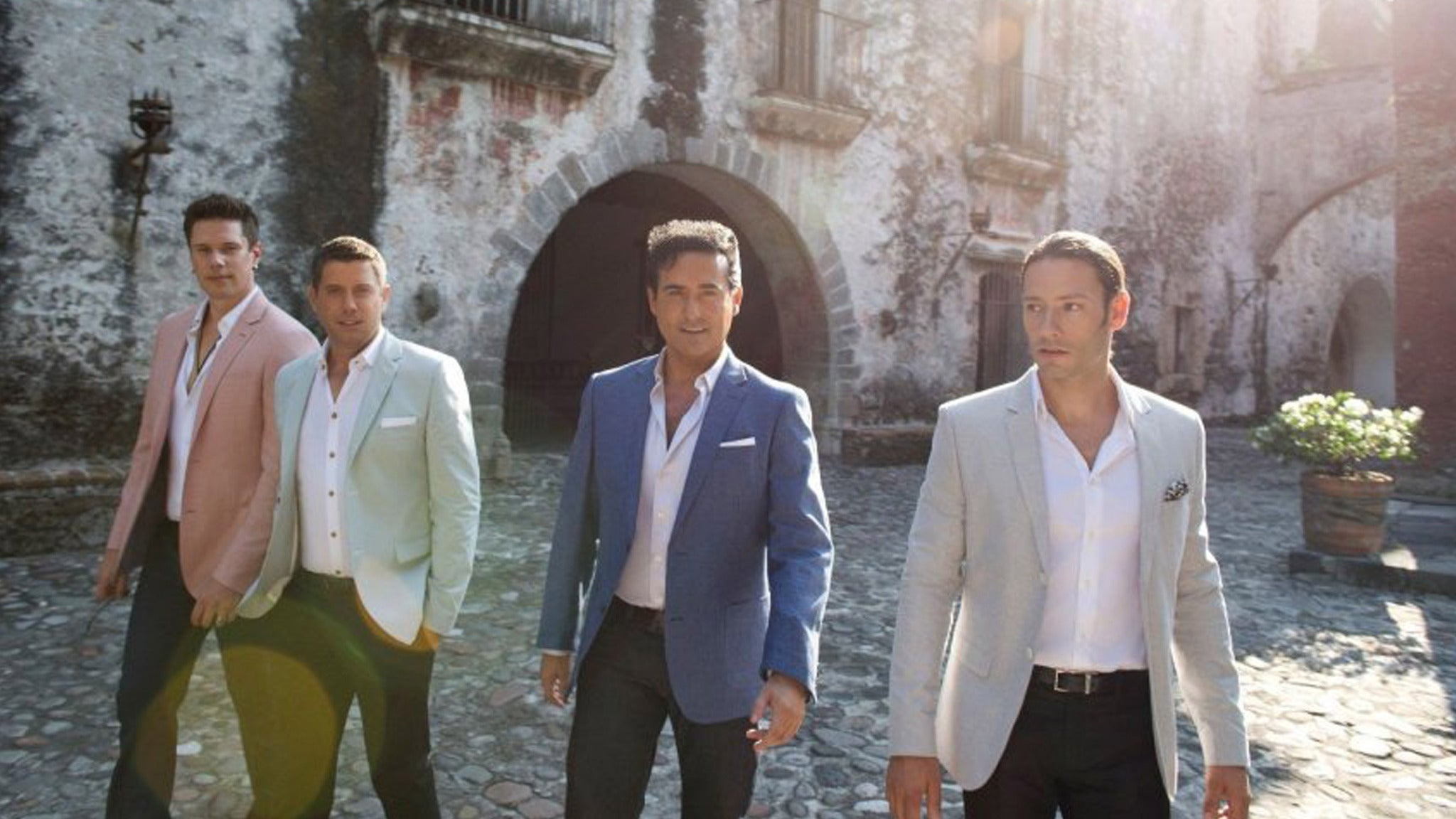 IL DIVO - AMOR & PASION at Rosemont Theatre