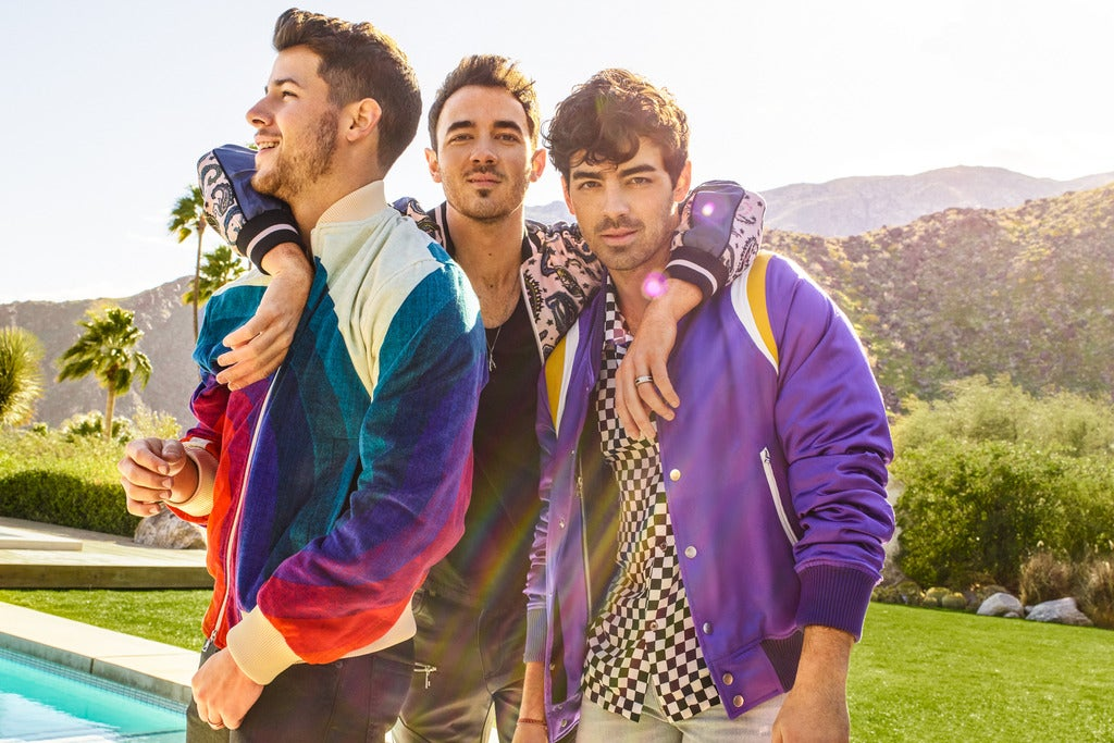 Jonas Brothers - Happiness Begins Tour