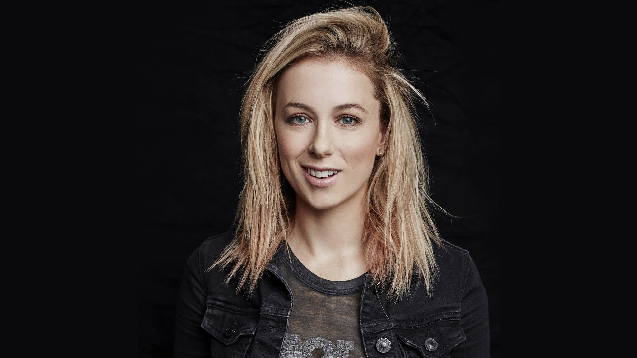 Iliza: Elder Millennial at HOYT SHERMAN PLACE