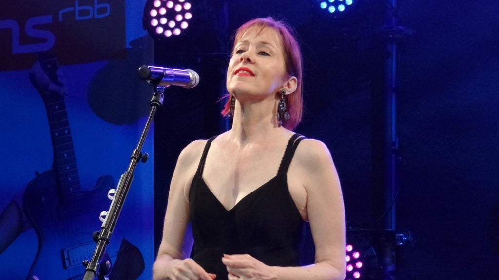 Hotels near Suzanne Vega Events