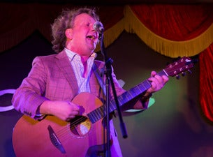 An Acoustic & Electric Mashup with Glenn Tilbrook and Special Guest Le