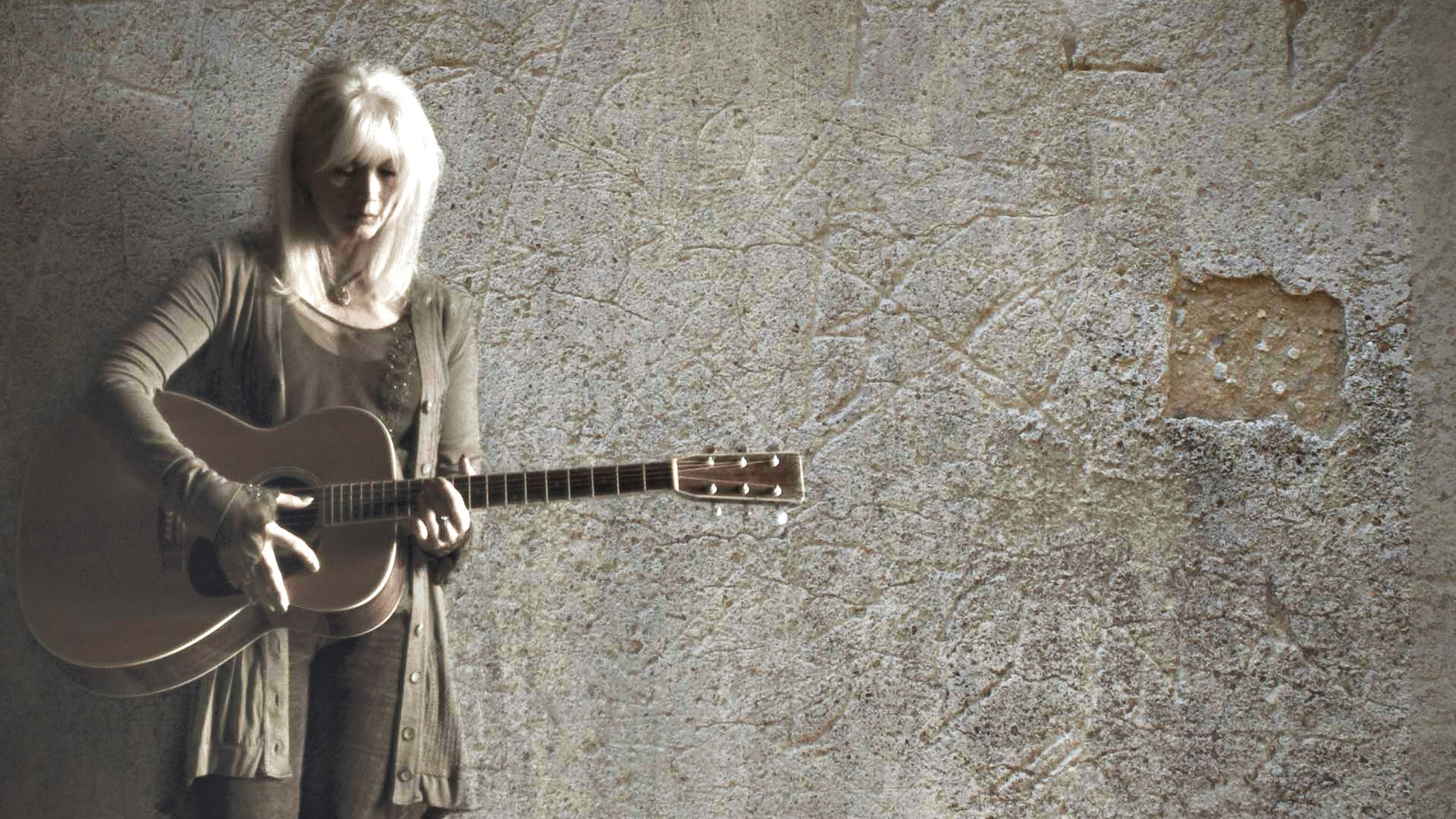 Emmylou Harris at HOYT SHERMAN PLACE