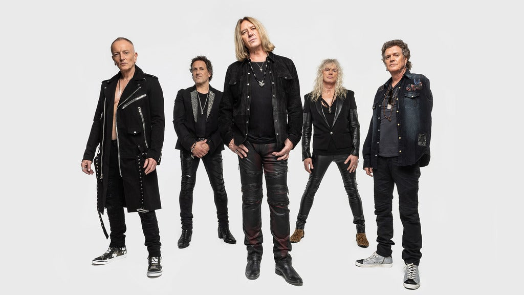 Hotels near Def Leppard Events