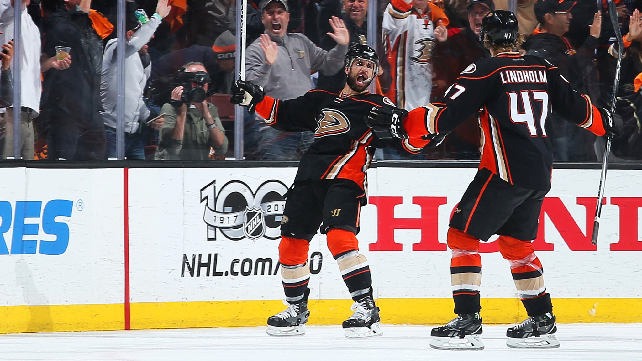 Anaheim Ducks vs. Vancouver Canucks at Honda Center - Anaheim, CA 92806