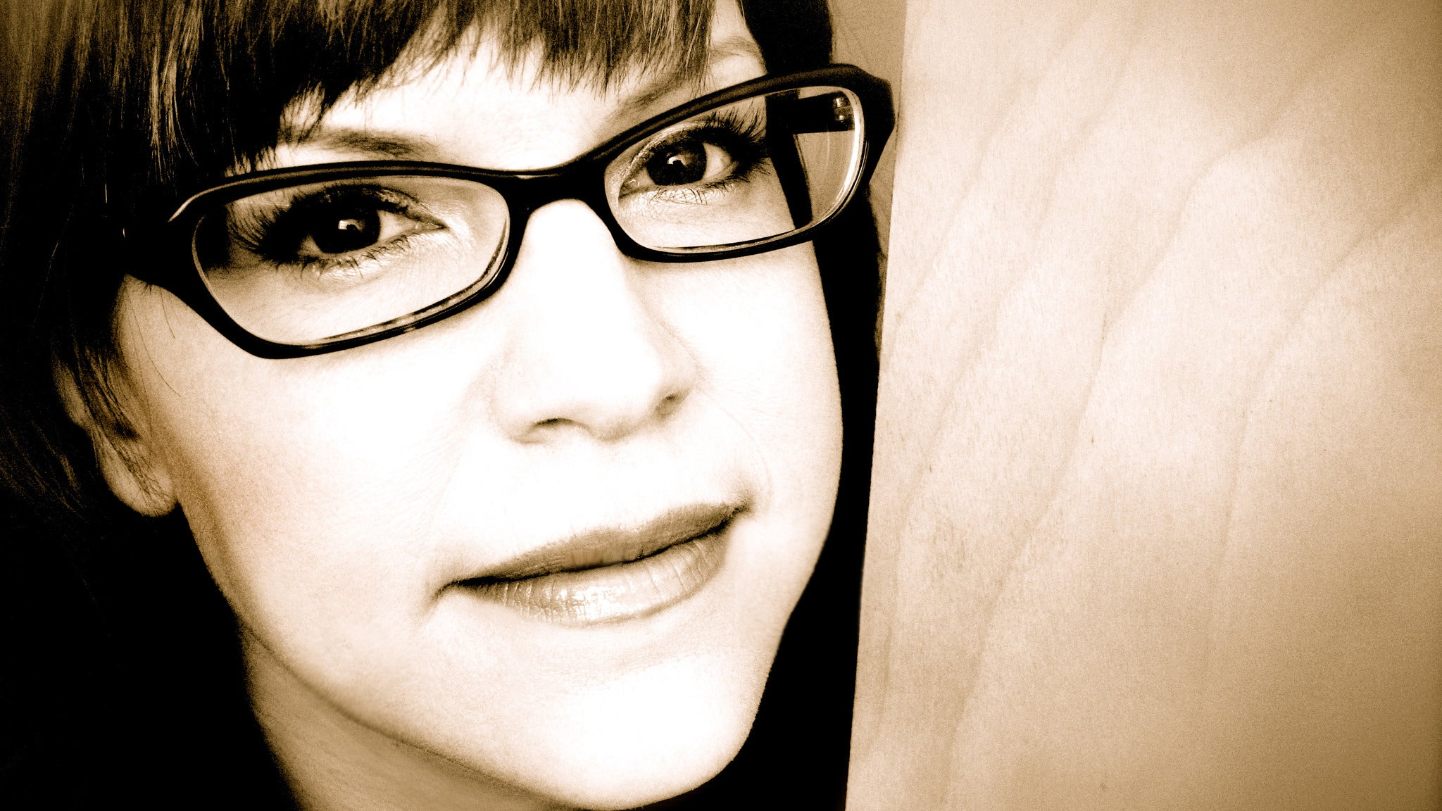 Lisa Loeb at The Coach House