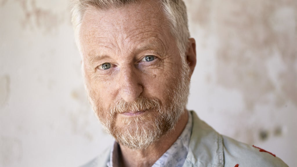 Hotels near Billy Bragg Events