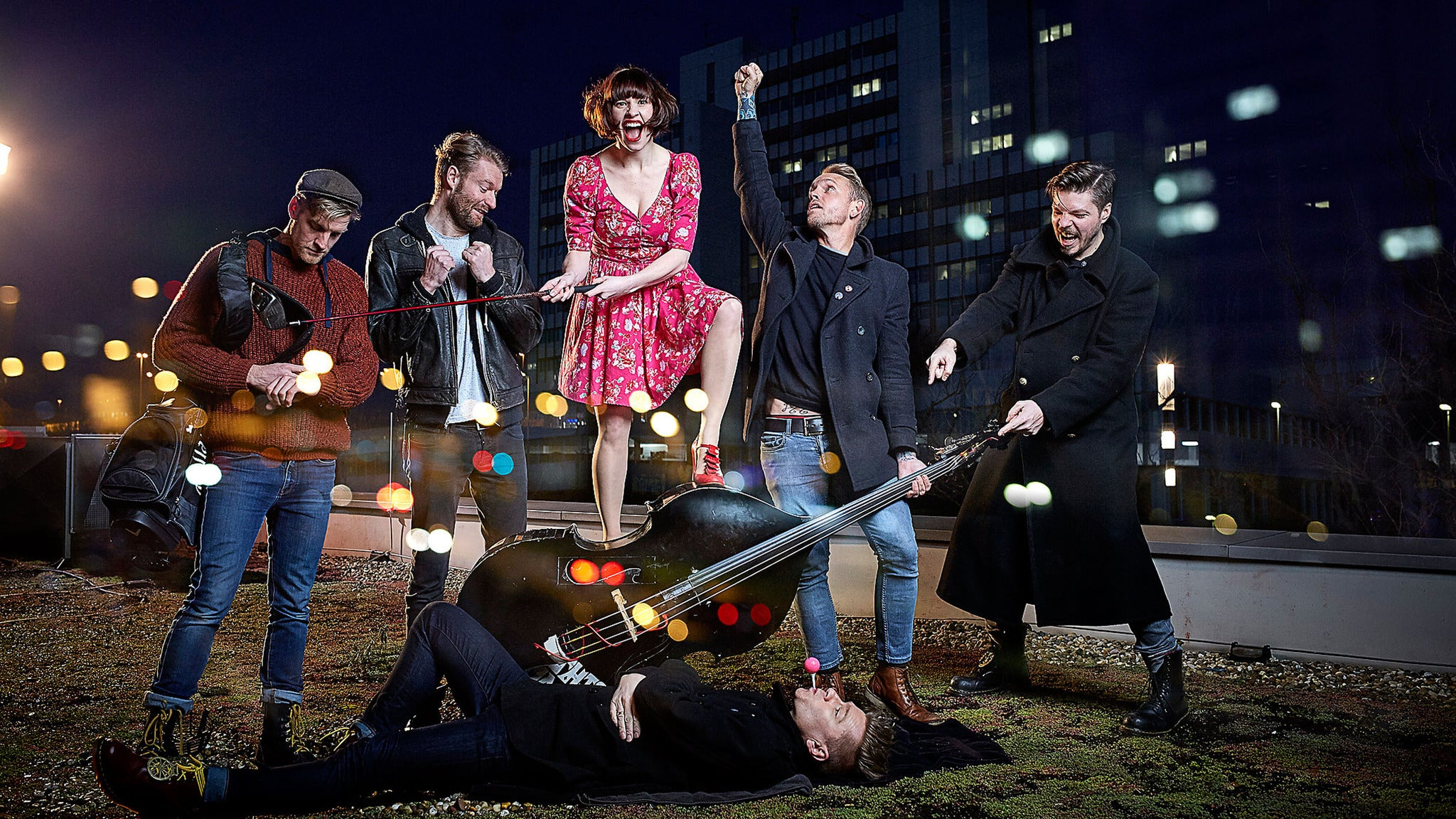 Skinny Lister plus Trapper Schoepp plus $pawn$
