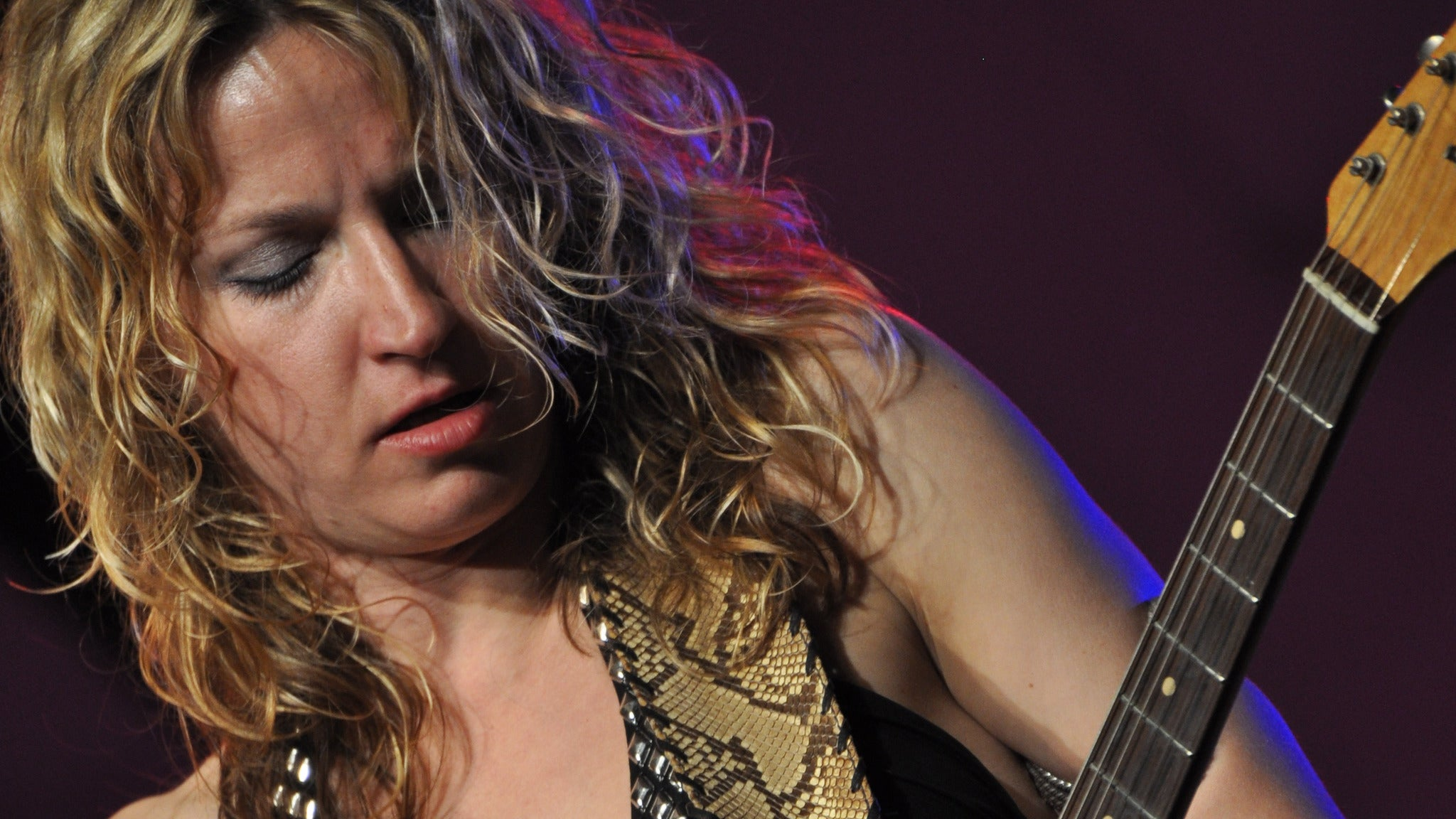 Ana Popovic at Jergel's Rhythm Grille