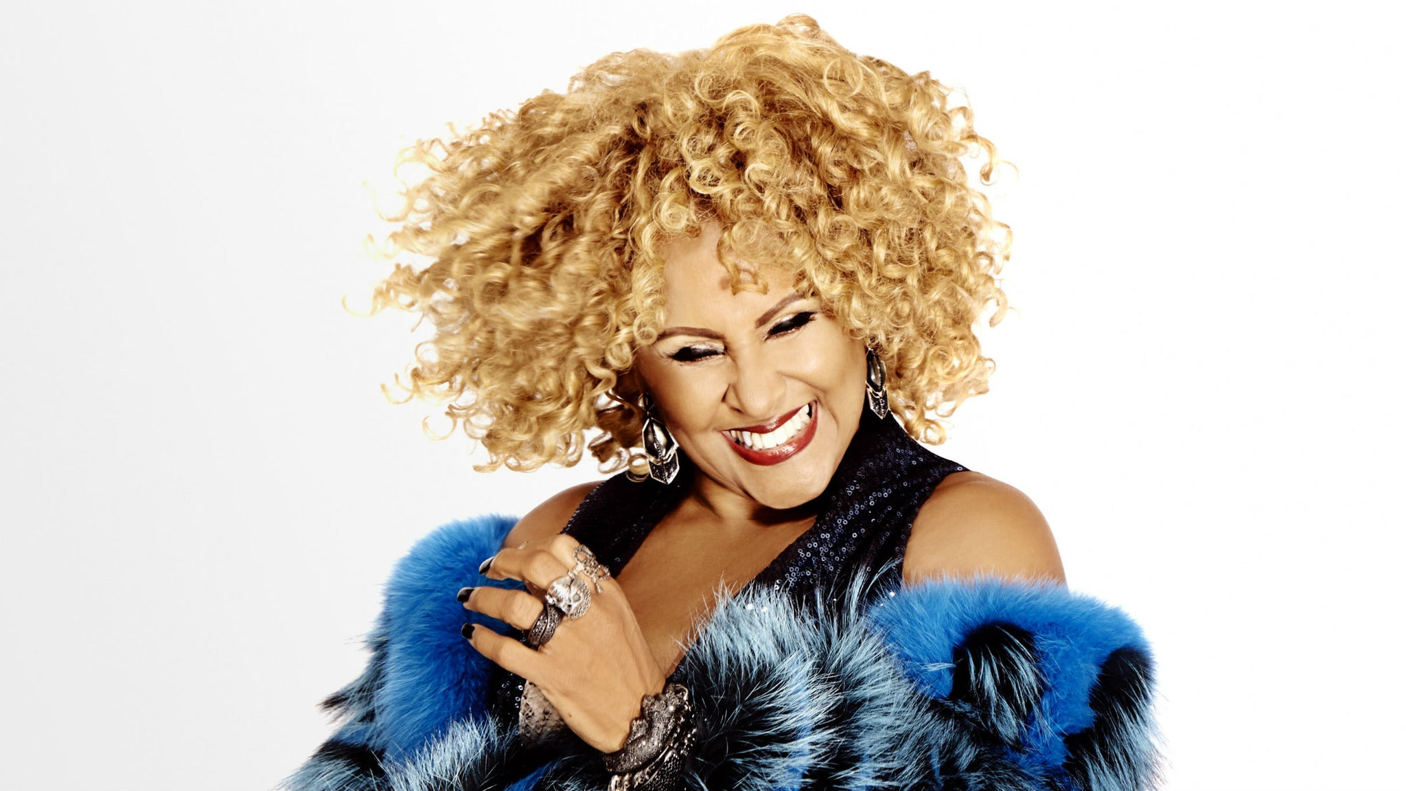 A DARLENE LOVE CHRISTMAS -
