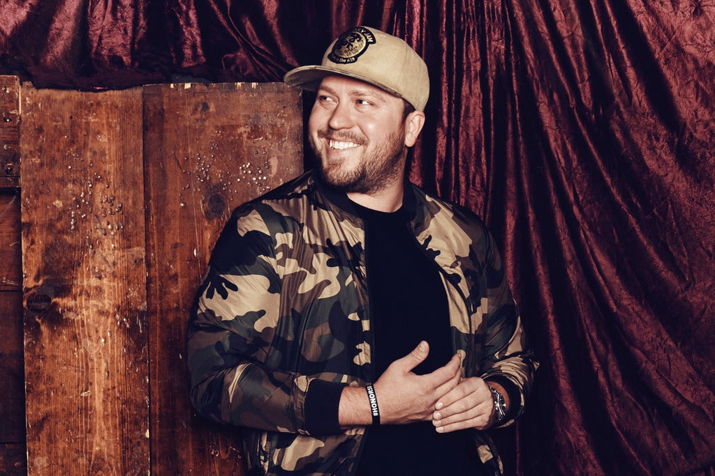 iHeart's 94.9 The Bull Presents Mitchell Tenpenny