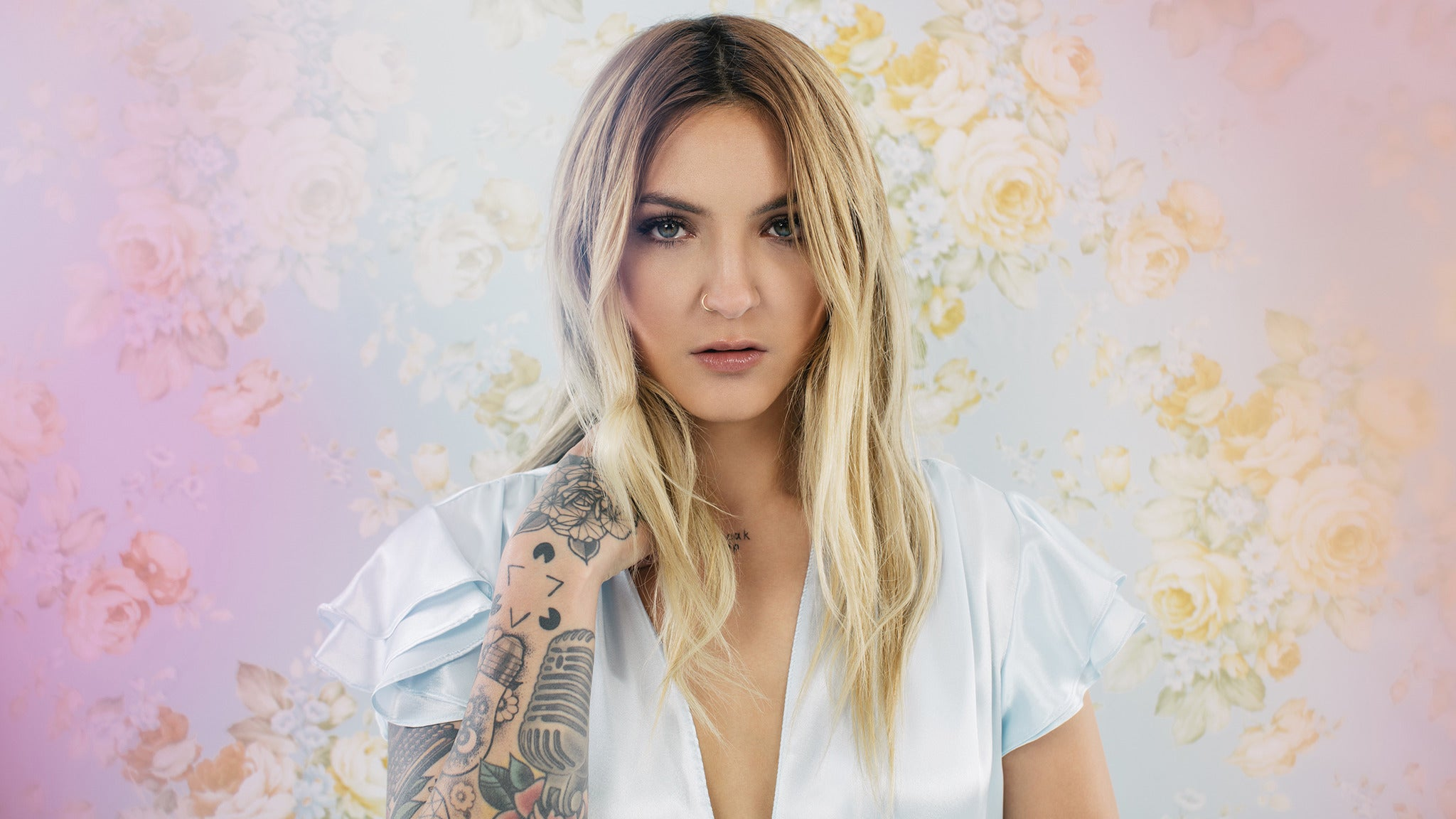 Julia Michaels - Upgrade Meet & Greet Packages