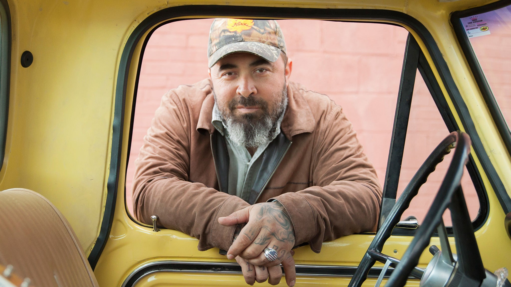 Aaron Lewis at Harv Arena at Mountaineer