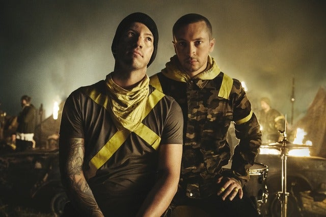 TWENTY ØNE PLIØTS - THE BANDITØ TØUR - Offical Platinum Tickets