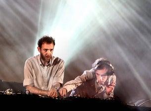 2 Many DJ's