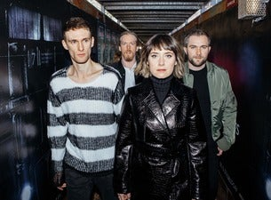 WALKING ON CARS, support: Hollow Coves