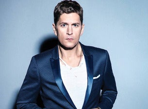 Tips: Rob Thomas, 2017s alternative hair style of the mysterious funny  musician